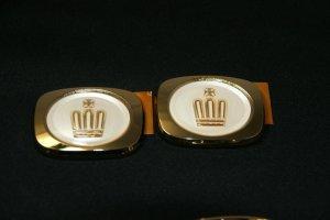 画像1: 最高級ゴールドメッキエンブレム 【トヨタ クラウン17系】 ピラーエンブレム 左右2個セット