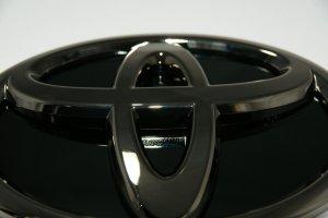 画像4: 【ブラックメッキエンブレム】トヨタ 70ヴォクシー フロントグリル用トヨタマーク・ブラック鏡面プレート付